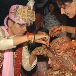 November 27, 2011, Auspicious Hindu Marriage Day. 60000 Weddings in Delhi