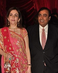 Neeta Ambani & Mukesh Ambani were at Riteish & Genelia's Wedding Reception