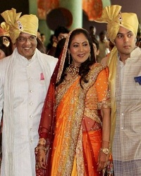 Genelia's father Neil D'Souza, mother Jeanette D'Souza, brother Nigel D'Souza at her wedding