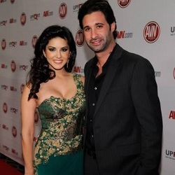 Photo of Daniel Weber with wife Sunny Leone attending an award ceremony