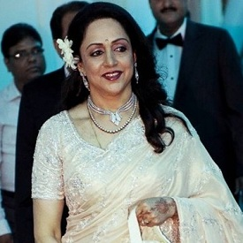Esha Deol's mother Hema Malini looking beautiful in a Neeta Lulla designed sari at her Reception