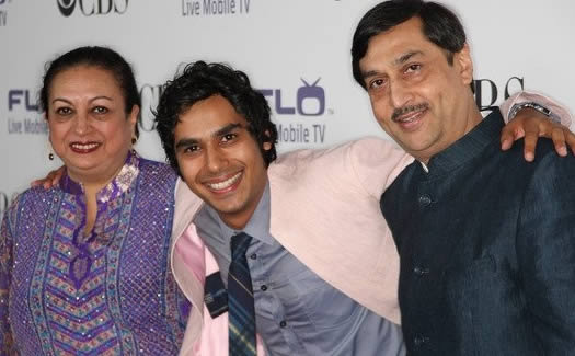 Pic of Kunal Nayyar with his Father (Rakesh Nayyar) and Mother.