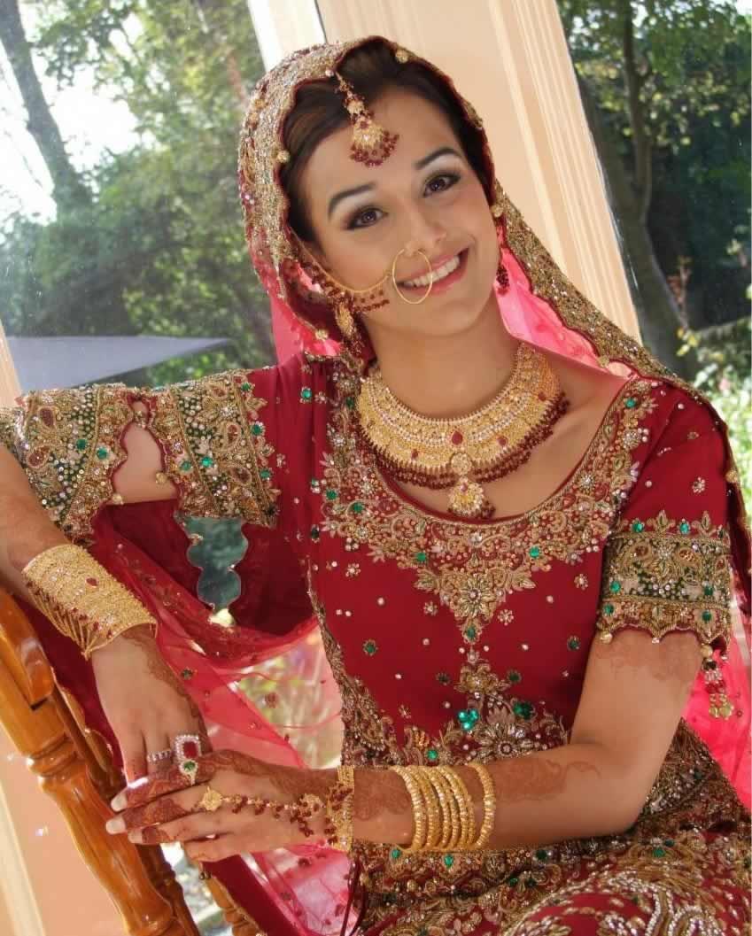 ... Wedding Bridal Collection By The Designer To Hindi Film Stars, Manish  Malhotra