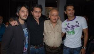 Mohit Suri with cousin Vishesh Bhatt and uncle Mukesh Bhatt