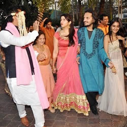 Pic of Mohit Suri Baraat which consisted of family members including his grandma, sister, cousins Vishesh and Sakshi.