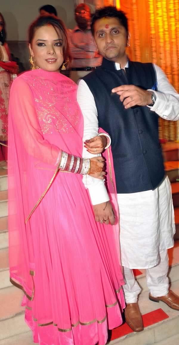 Indian punjabi newly married bhabhi fucked with moans - 1 part 10