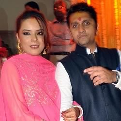 Picture of newly married Udita Goswami and Mohit Suri.