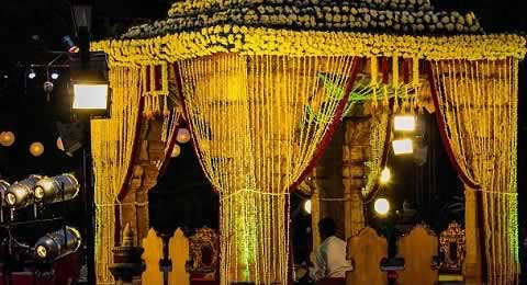 Mandap Mahurat and Griha Shanti ritual are performed at Gujarati marriages.