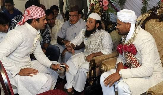 Pic of Yusuf Pathan with brother Irfan and father Mehmood Kkan Pathan, at his wedding to Afreen