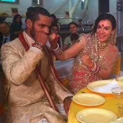 Marriage photo of Shikhar Dhavan and wife Ayesha Mukherjee. Picture is at their Marriage Reception.