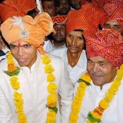 Umesh Yadav at his wedding with his father, Tilak Yadav.