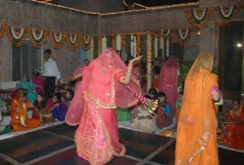"Marwadi & Rajasthan Dances ""Ghumar"", ""Kalbelia"", ""Teratali"" at wedding Sangeet ceremony."