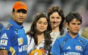 Sachin Tendulkar with daughter (Sara), wife (Anjali), son (Arjun)