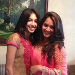 Dipika Pallikal with her elder sister, Divya Pallikal.