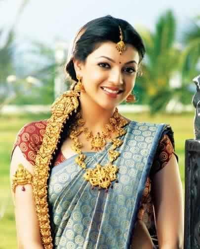 """Hair """"Chotli"""" (""""Jidai Billai"""") is wrapped on Indian Bride's Hair"""