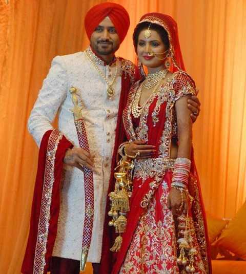 Wedding Picture Of Harbhajan Singh With His Wife