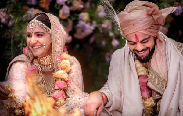Virat Kholi and Anushka Sharma Wedding Photo